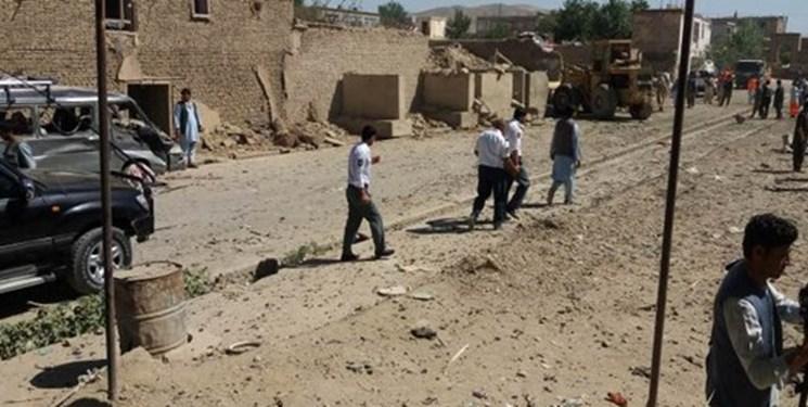انفجار در مرکز افغانستان ۱۲ کشته و ۱۸۰ زخمی برجای گذاشت + فیلم و تصاویر