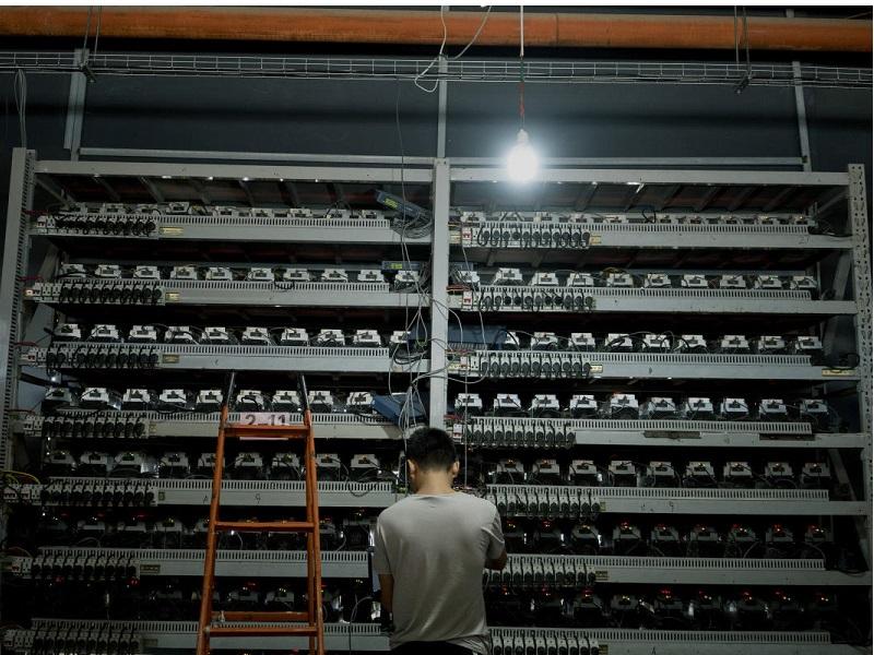 چرا درباره تاثیر بیت کوین بر مصرف برق بزرگنمایی میکنند؟