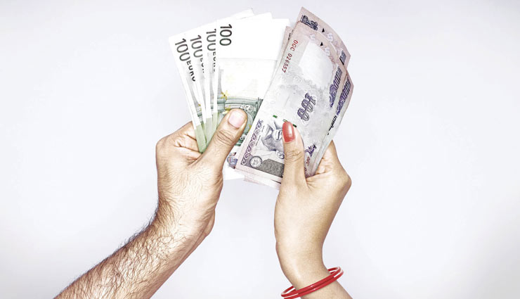 اگر زن درآمد مستقل داشته باشد آیا باز هم مستحق نفقه است؟