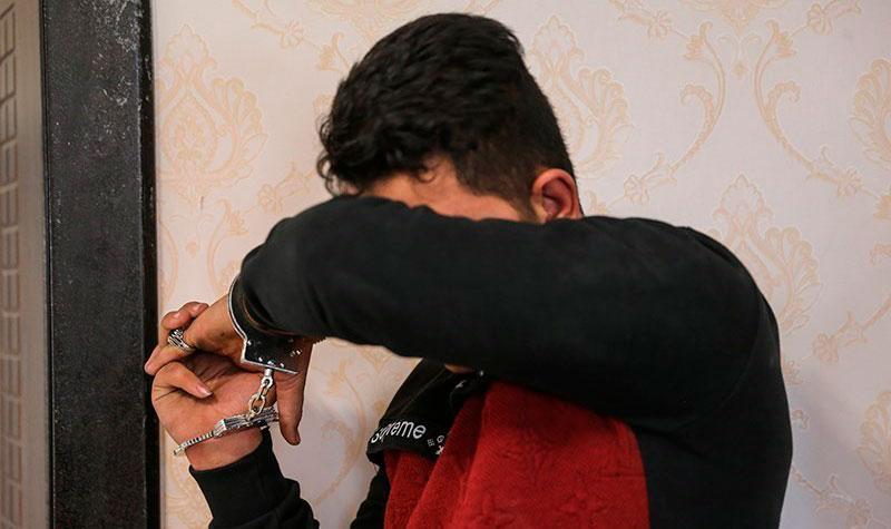 دستگیری مردی که زنش را طعمه مردان کرده بود!