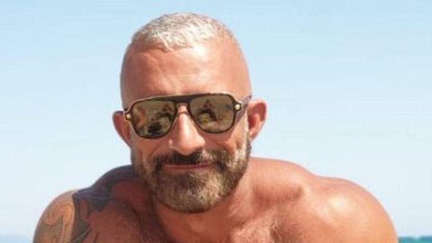 ستاره ایتالیایی المپیک مرد درحال غرق شدن را نجات داد