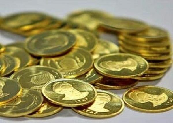 کشف ۲۰۰ سکه طلا در فرودگاه امام