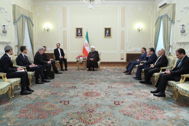 روحانی پس از دریافت پیام مکرون: راه دیپلماسی را باز نگهداشتهایم