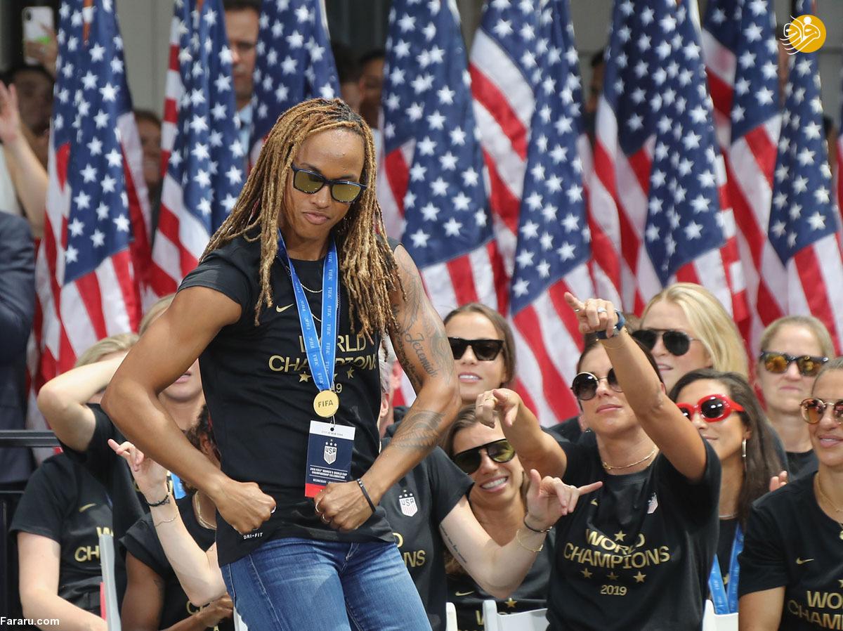 (تصاویر) جشن خیابانی قهرمانی تیم ملی زنان آمریکا
