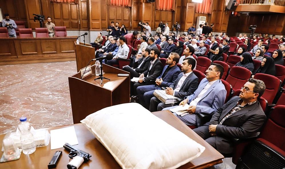 (عکس) آلات قتل میترا استاد همسر دوم نجفی در دادگاه