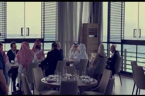 (تصاویر) ناهار خوردن پمپئو با ولیعهد سعودی