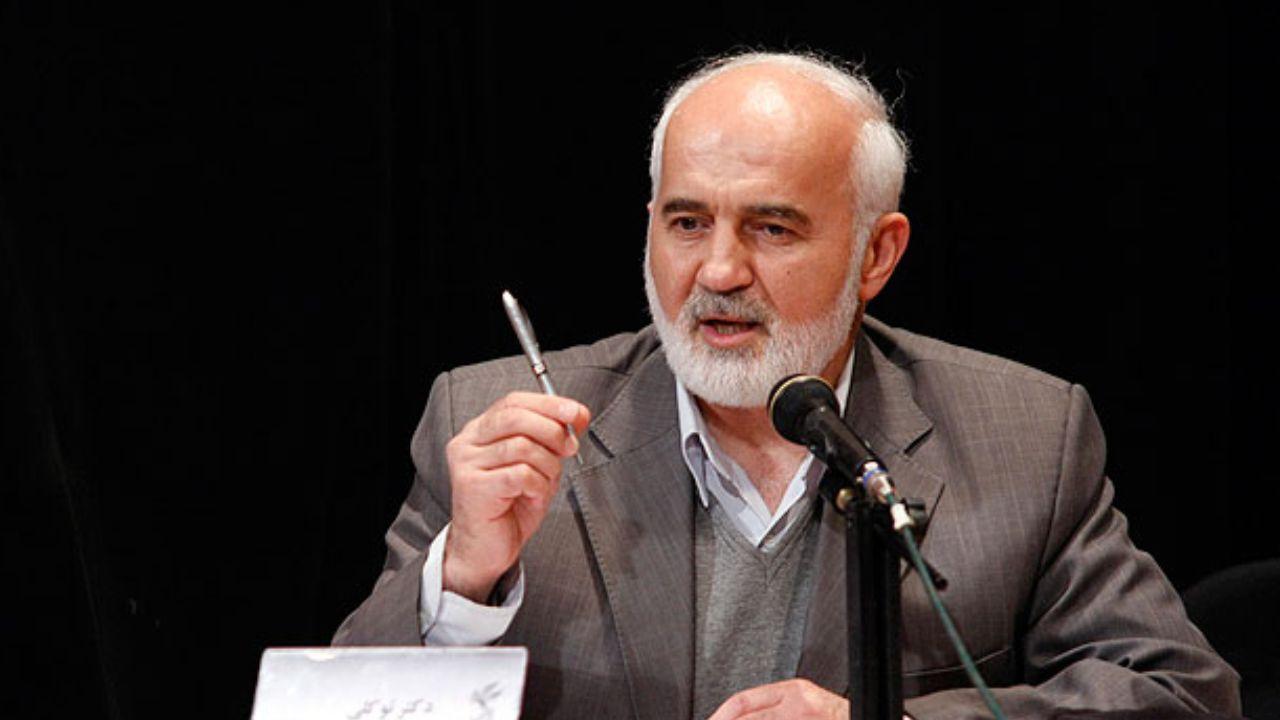 انتقاد تند احمد توکلی از روحانی: او فرافکنی میکند