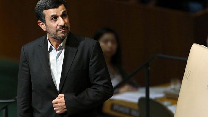 دیپلماسی به سبک احمدینژاد؛ چرا فقط آمریکا؟!