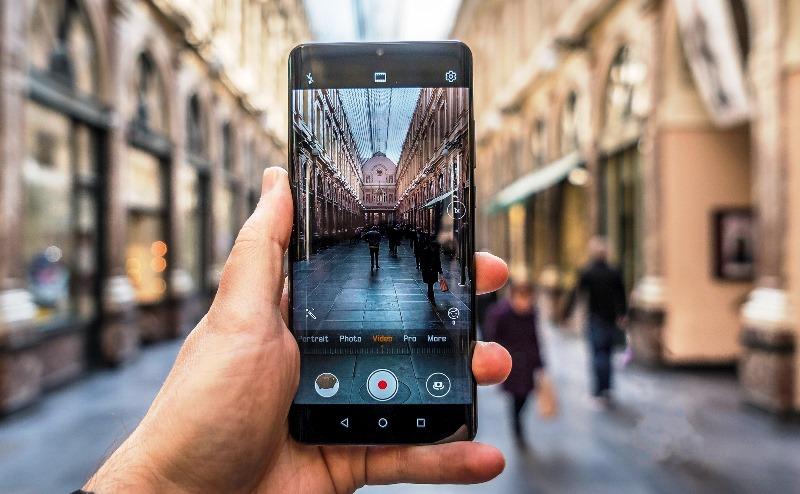 Carl Zeiss یا Leica؛ در جستجوی بهترین تجربه عکاسی با موبایل