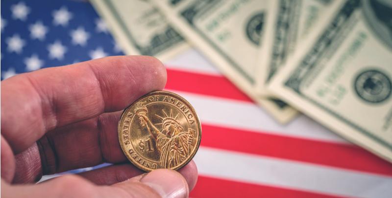 ترامپ: دلار بیش از حد گران است!