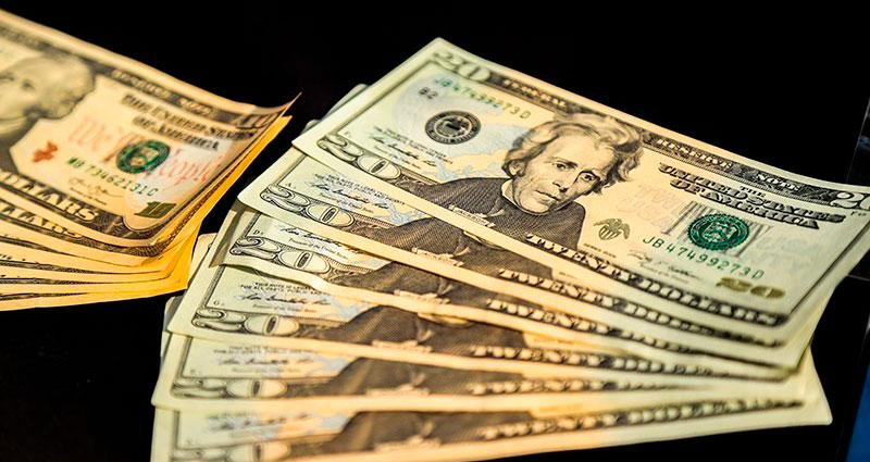 قیمت دلار، قیمت سکه، قیمت طلا و نرخ انواع ارز در بازار امروز؛ ۵ تیر ۹۸