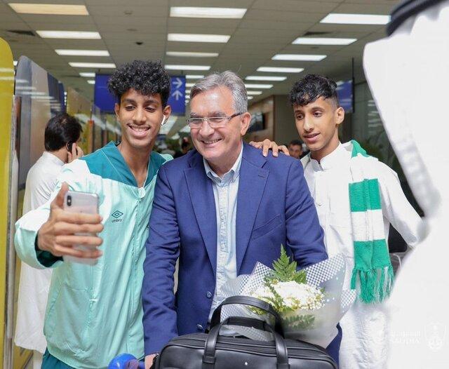 (تصویر) در میان استقبال عربستانیها؛ برانکو وارد جده شد