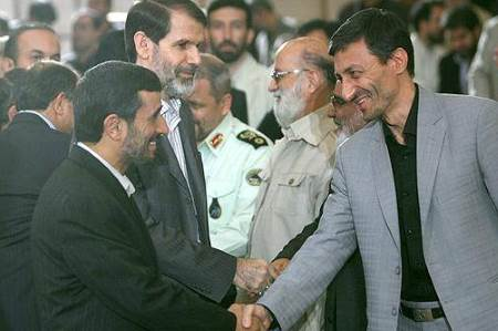 پرویز فتاح و محمود احمدی نژاد