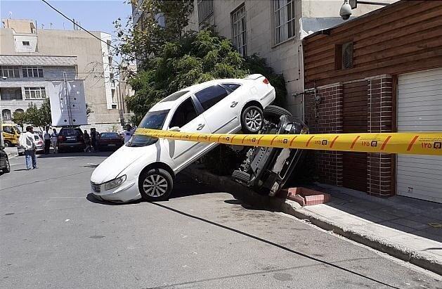(عکس) تصادف عجیب رانا و هیوندا در خیابانی فرعی در تهران