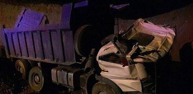 (تصاویر) سقوط آزاد کامیون به گودالی در بزرگراه بابایی