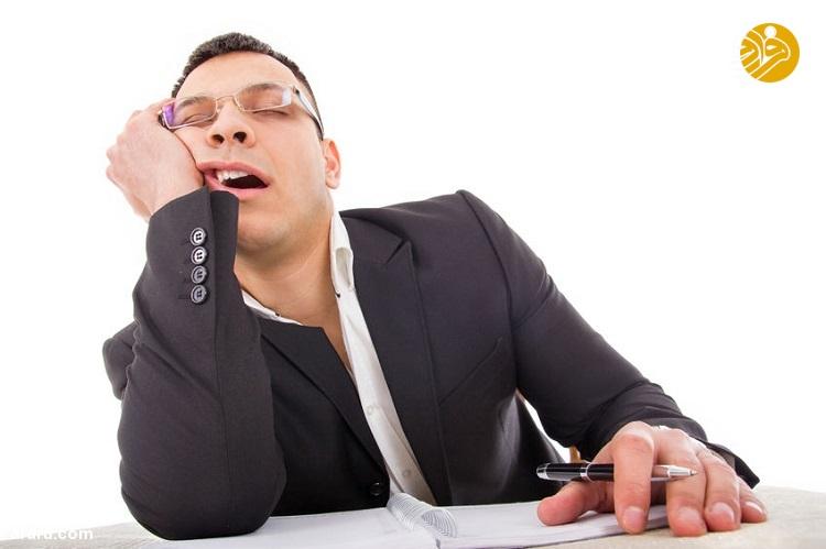دلایل خواب زیاد به همراه اثرات آن