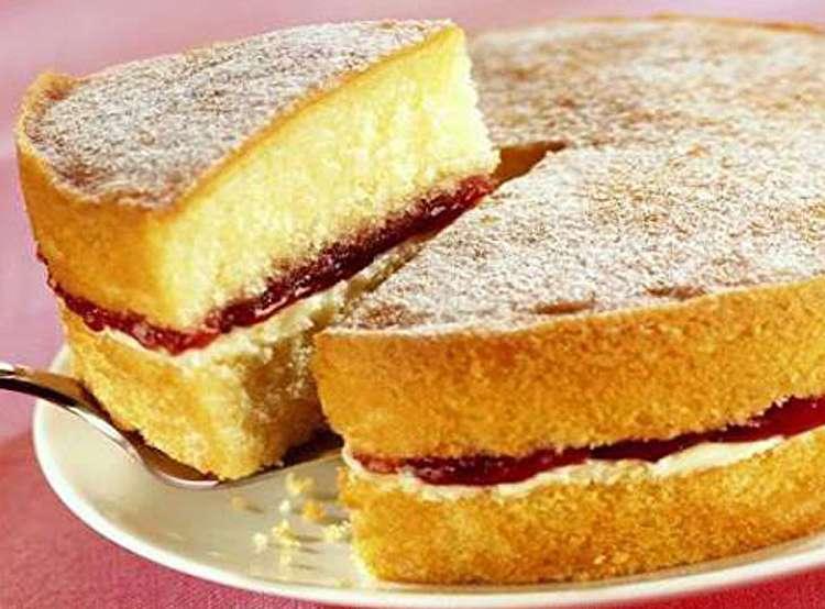 طرز تهیه کیک اسفنجی؛ نکات کلیدی برای پخت کیک اسفنجی عالی