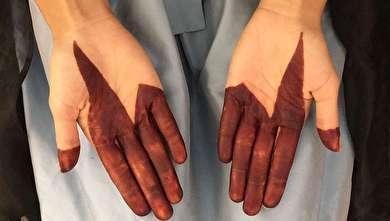 (تصاویر) دختری که آرایش دست با حنا را ترویج میدهد