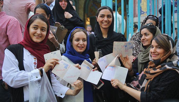 چرا رییس دولت اصلاحات از روحانی و مجلس انتقاد کرد؟