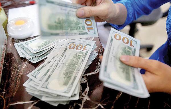 دلار به کف ۹۸ خورد