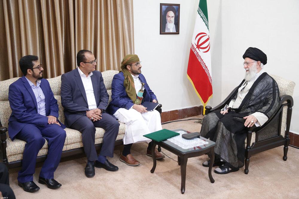 (تصاویر) چرا عبدالسلام در دیدار با رهبر انقلاب خنجر به همراه داشت؟