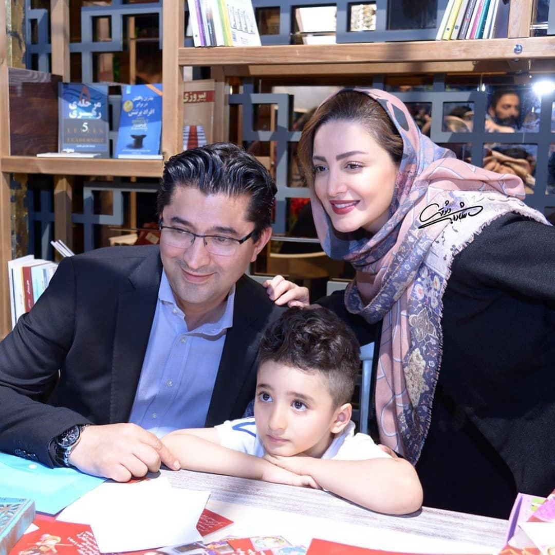 (عکس) شیلا خداداد در جشن رونمایی کتابش