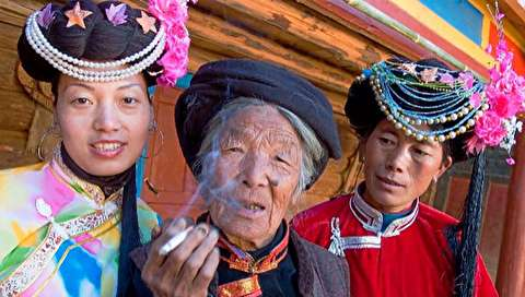 (تصاویر) قبیلهای عجیب که زنان چند شوهر دارند!