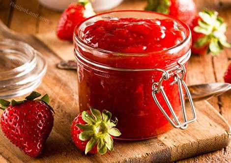 طرز تهیه مربای توت فرنگی خوشمزه، خوشرنگ و مجلسی