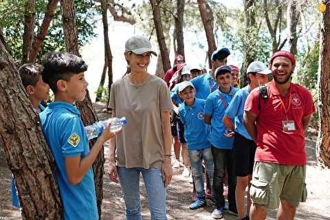 (تصاویر) اسماء اسد در اردوی فرزندان ارتش سوریه