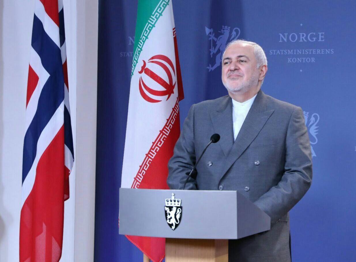 ظریف: به دستور رئیسجمهوری، برای بررسی پیشنهاد مکرون به پاریس میروم