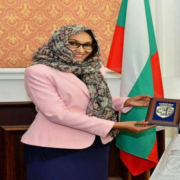 (تصویر) سنت شکنی در سودان؛ یک زن وزیر خارجه شد