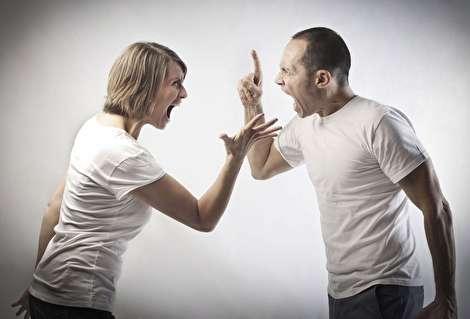 قذف چیست و قانون در مورد فحاشی ناموسی چه میگوید؟
