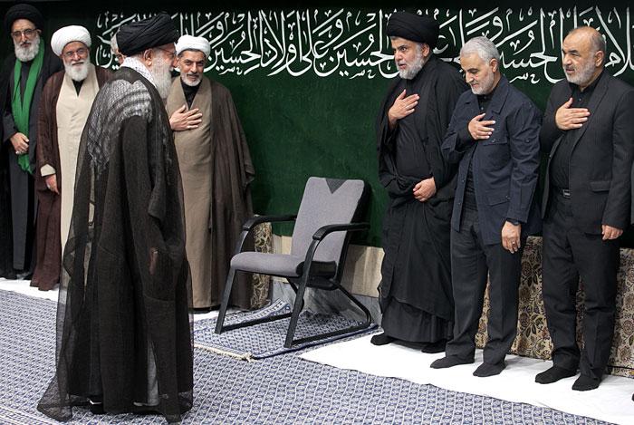 مقتدی صدر در کنار رهبر انقلاب