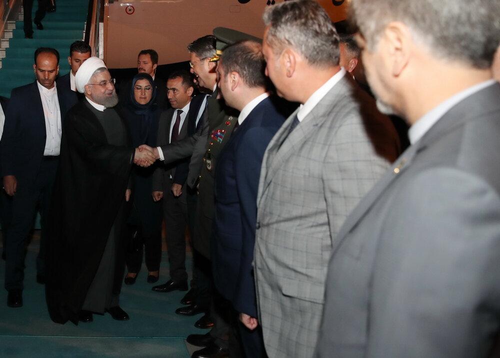 تصویری از استقبال مقامات ترک از حسن روحانی