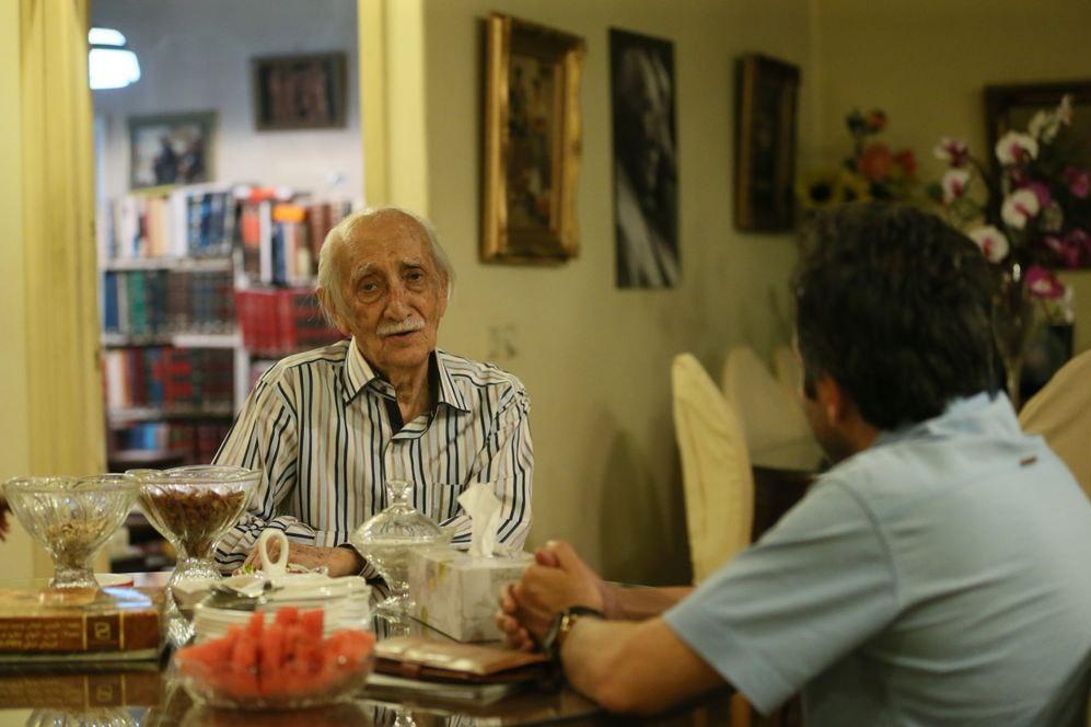 گفتگو منتشر نشده زندهیاد داریوش اسدزاده از اجرا برای شاه و اشرف تا کودتای ۲۸ مرداد