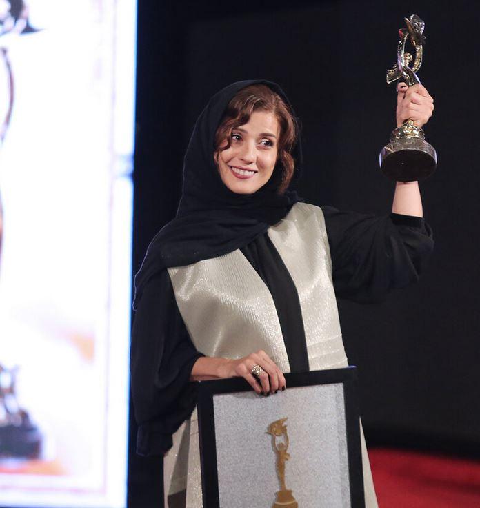 (تصاویر) برندگان جشن خانه سینما؛ از نوید محمد زاده تا ...