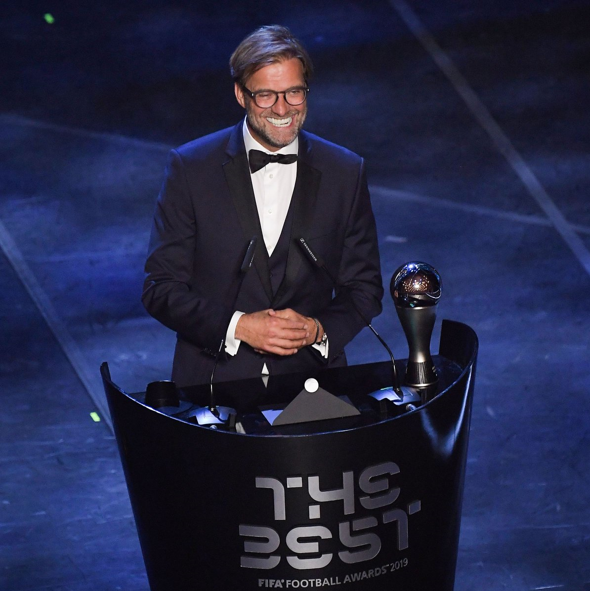 (تصاویر) مسی مرد سال فوتبال جهان شد، کلوپ برترین سرمربی و آلیسون برترین دروازهبان