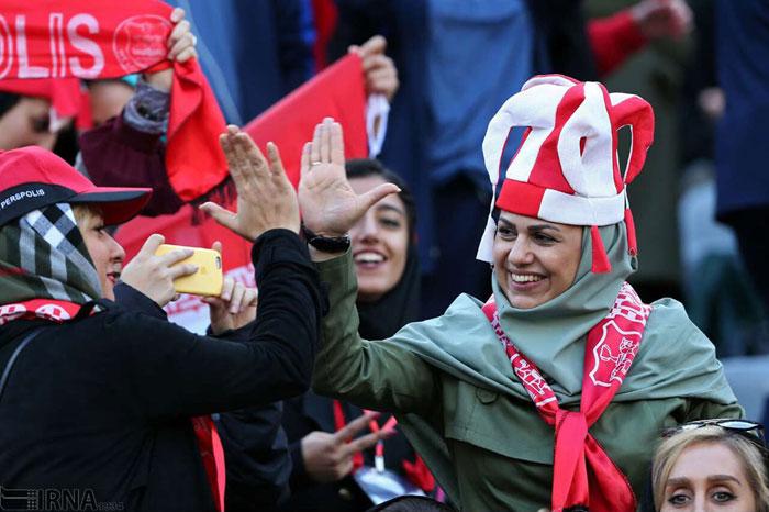 حضور زنان در ورزشگاه؛ واکنشها به یک اتفاق تاریخی