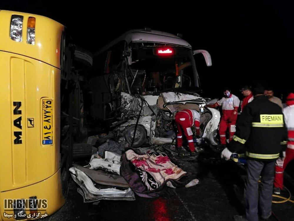(تصاویر) تصادف زنجیرهای و مرگبار در زنجان