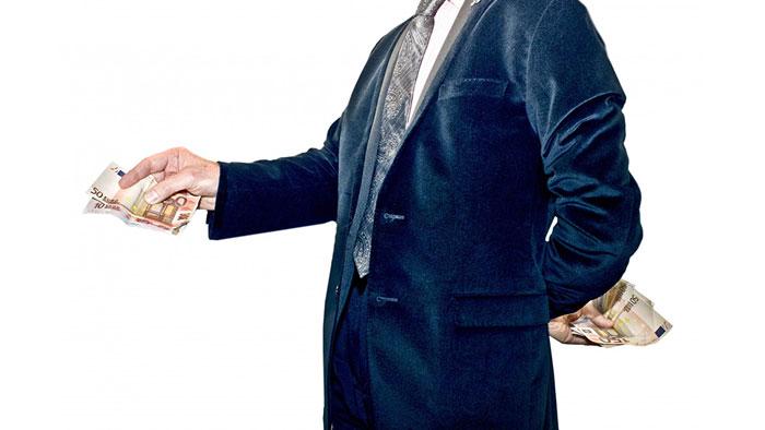 جنگ مالیات؛ وکلا هم به پزشکان پیوستند!