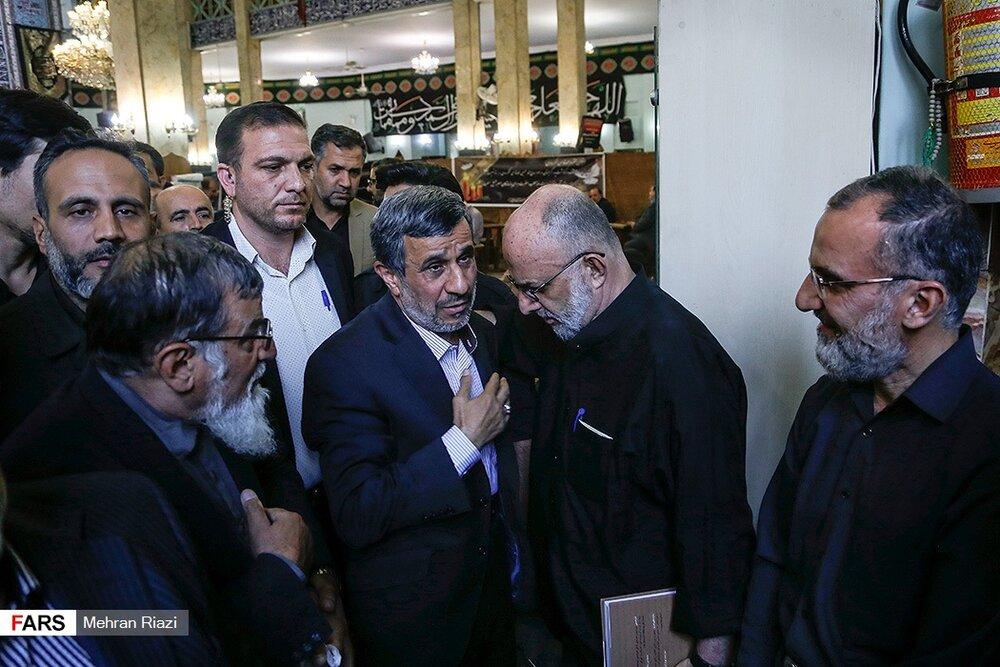 (تصاویر) تسلیت احمدینژاد به سعید قاسمی