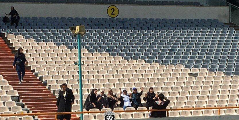 (عکس) اولین تصویر از حضور زنان در ورزشگاه آزادی برای مسابقه تیم ملی
