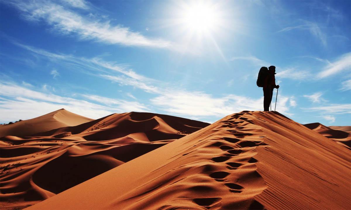 سفر به کویر مصر، روستای زیبای رمل و شب و شتر!