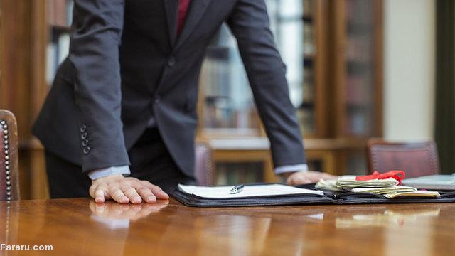 یک وکیل به دلیل پیدا نکردن شغل از دانشگاه شکایت کرد!