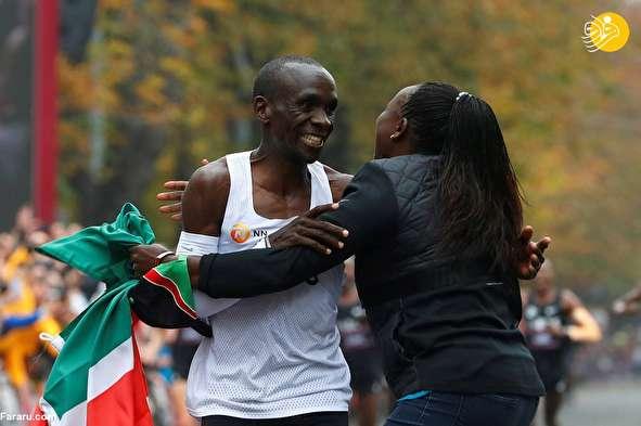 (تصاویر) دونده کنیایی در ماراتن تاریخساز شد