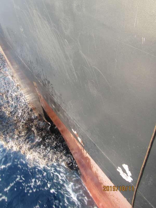 تصاویر جدید از بدنه نفتکش آسیبدیده ایرانی