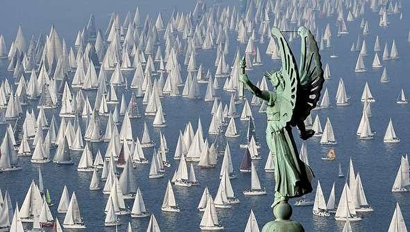 (تصاویر) بزرگترین مسابقه قایقرانی در جهان