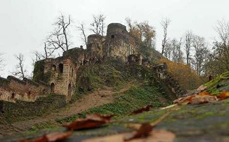 سفر به فومن؛ شهر تاریخی قلعه، پله، مجسمه و کلوچه