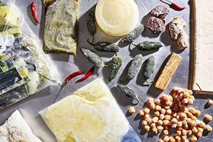 ۱۴ ماده غذایی که هرگز نباید در فریزر نگهداری شوند