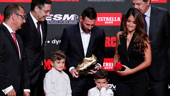 (تصاویر) اهدای ششمین کفش طلا به لیونل مسی